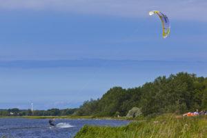kitesurfer bei Wiek Ostsee